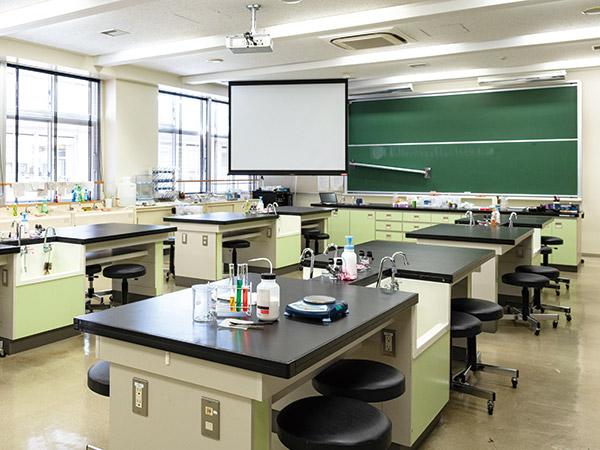 中学理科室