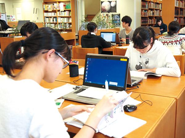 図書館 × 卒業論文